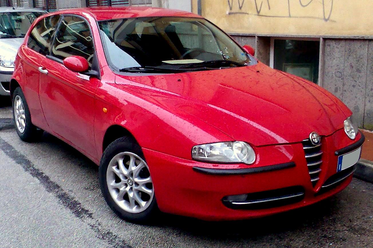 http://4.bp.blogspot.com/_QEKFOK_r_p4/TOPVPuncarI/AAAAAAAABCA/X55e63MC13M/s1600/2000_Alfa_Romeo_147.jpg