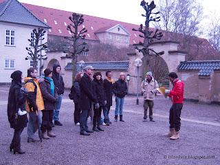 El grupo con el guía