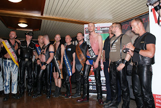 Los Mr. Leather de diferentes regiones de Alemania.