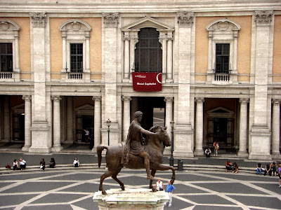 Piazza Campidoglio con la escultura ecuestre de Marco Aurelio.
