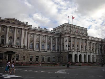 Palacio Mariinski, sede de la Asamblea Administrativa de San Petersburgo.