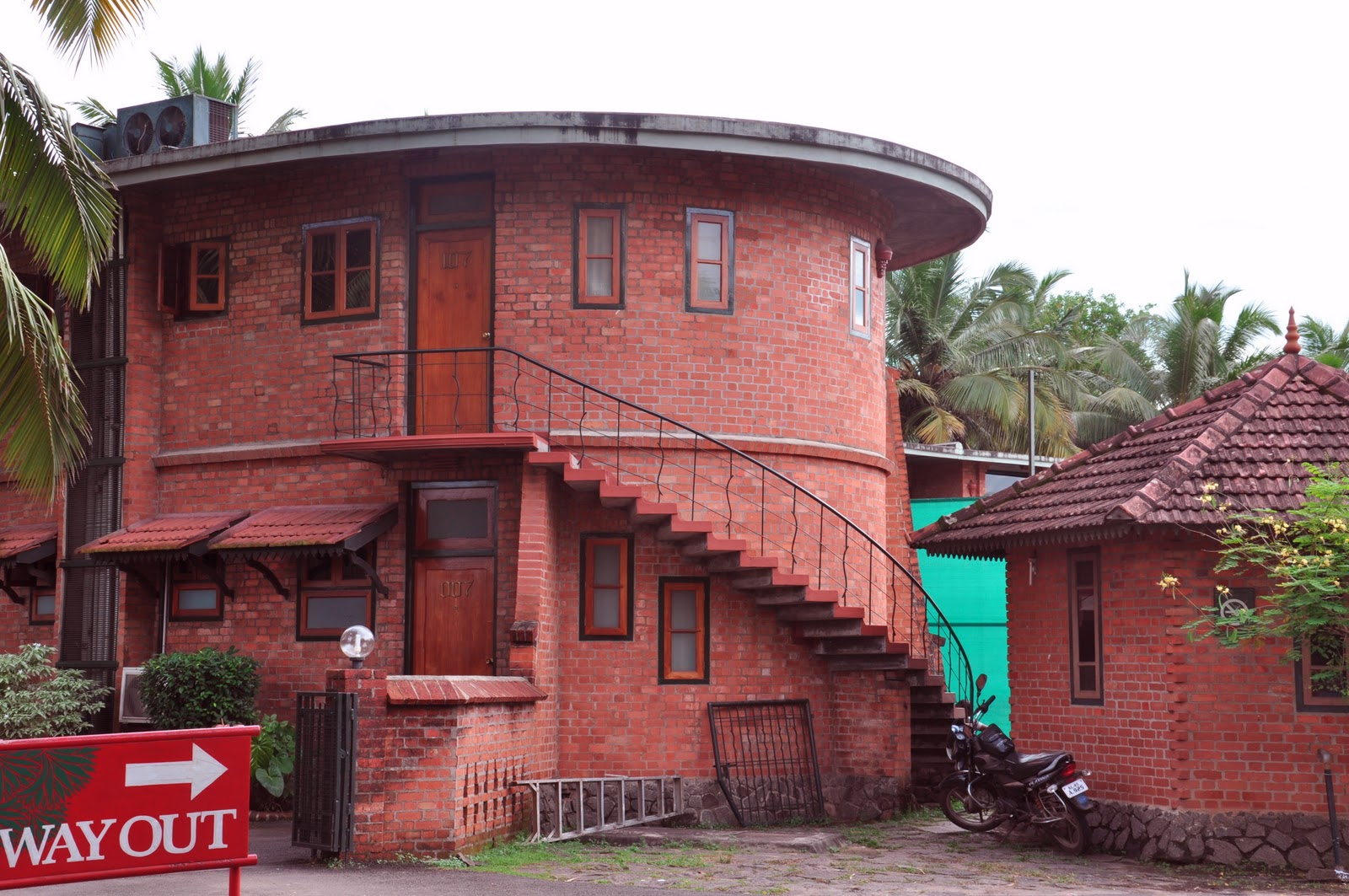 Architect kerala, vasthu kerala ,vasthu consultant, low cost house