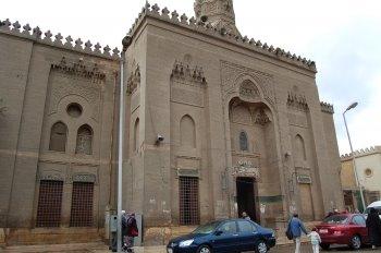 Menyambangi Masjid Pendiri Madzhab Syafii