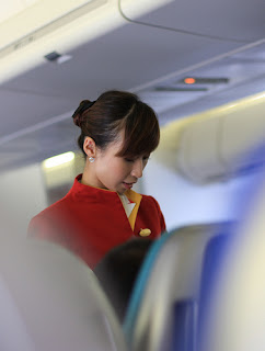 cathay pacific stewardess