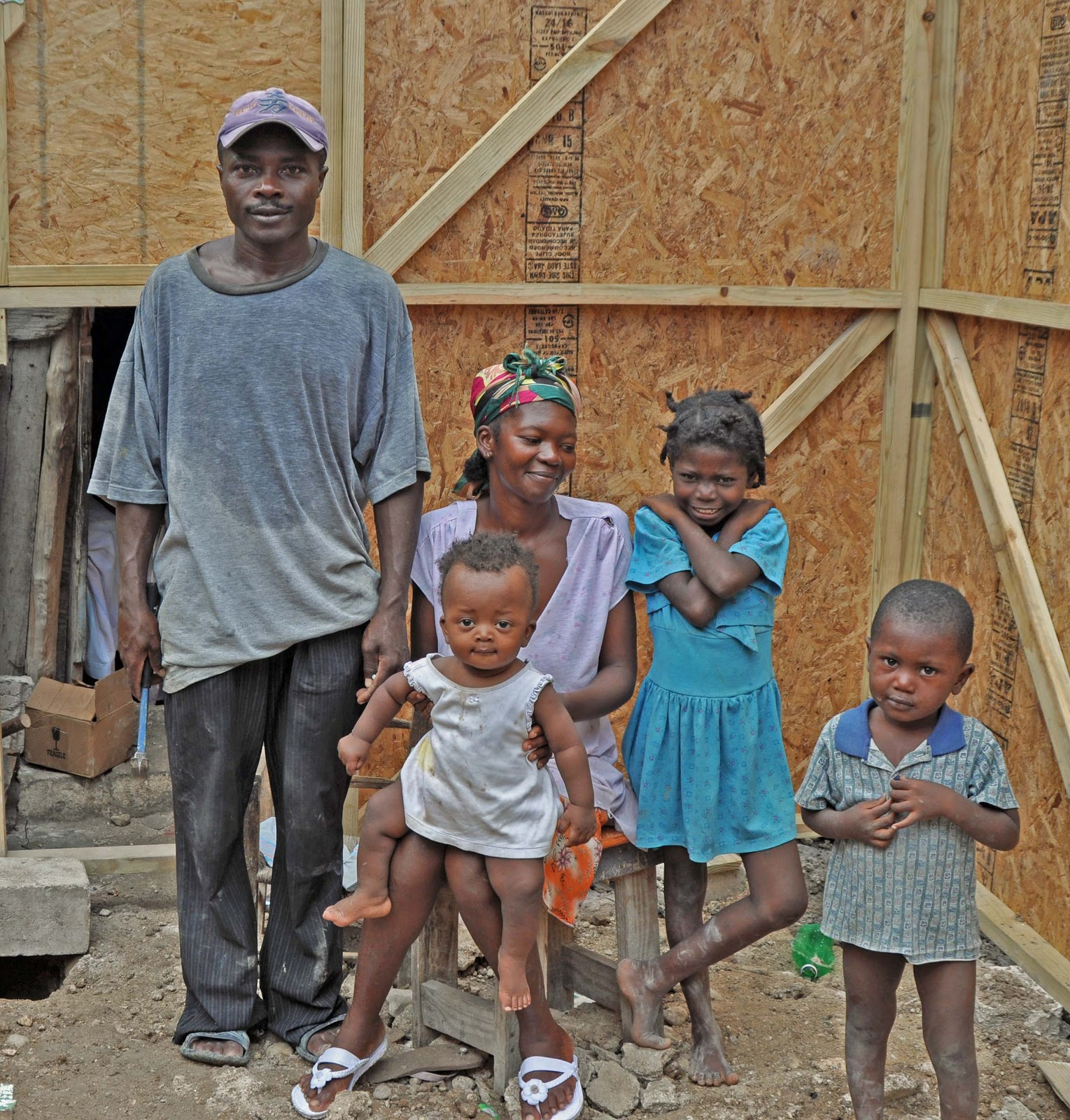 http://4.bp.blogspot.com/_QOJxRZwku_I/TLtl6Ad7JPI/AAAAAAAAAvI/XLfCVUfeaAk/s1600/Family+Espiril.jpg