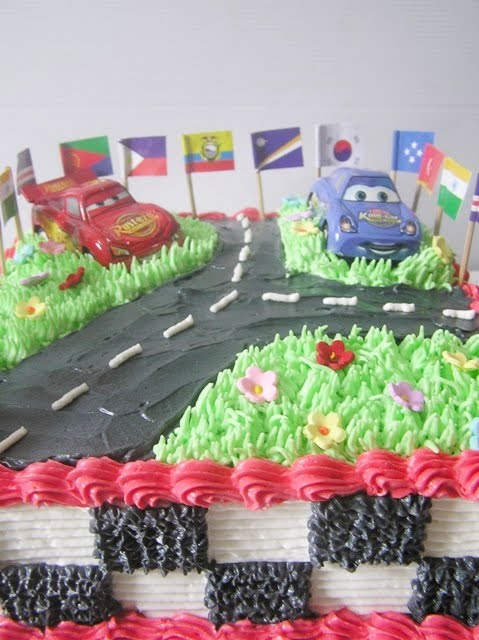 Tart dan Cupcakes ulang tahun MC QUEEN