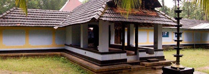 Vellamassery Garudan Kavu Kerala