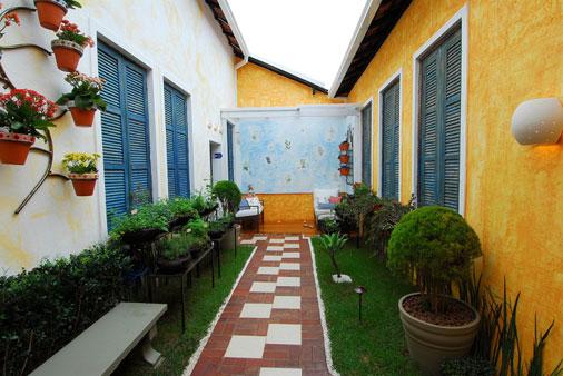 meu quintal meu jardim : meu quintal meu jardim:Não tem quintal? pode ser um corredor.como no meu Jardim de Ervas.