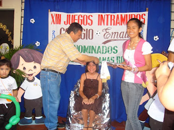 IMPOSICIÓN DE BANDA Y CORONACIÓN
