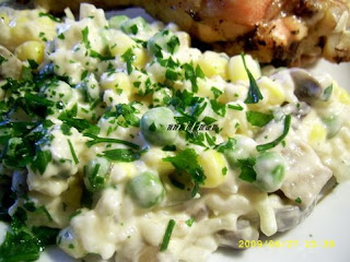 Salata cu orez,mazare,porumb si ciuperci