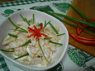 Articole culinare : Salata de pastai cu maioneza si usturoi