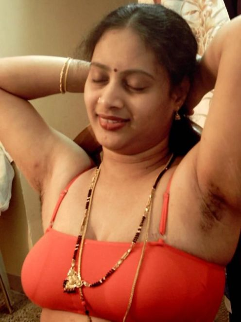 Hot Tamil Aunties , Housewives Photo album: House wife in Saree and ...