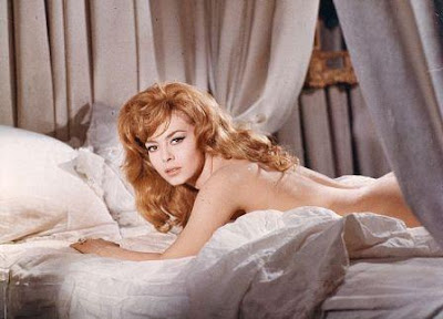 http://4.bp.blogspot.com/_QWlkkBgvIAQ/SR63JGsLXiI/AAAAAAAABEM/G57BUmn9y5g/s400/Angelique_marquise_des_anges_1964_1.jpg