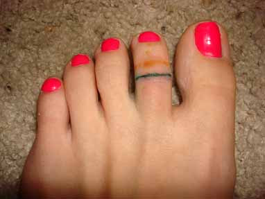 Toe ring tattoos designs
