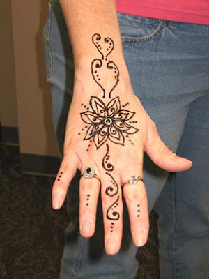 Henna Tattoos on Arabic Henna Tattoos    Photos Abauth Everything