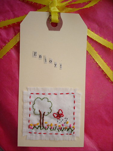 [embrodered+gift+tags]