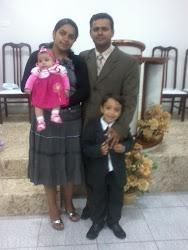Presbitero e Co-Pastor Aluízio e Familia