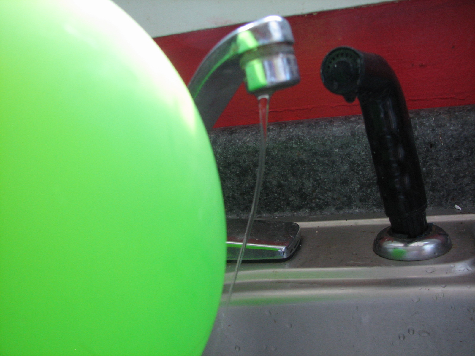 How to Bend Water with Static Electricity images