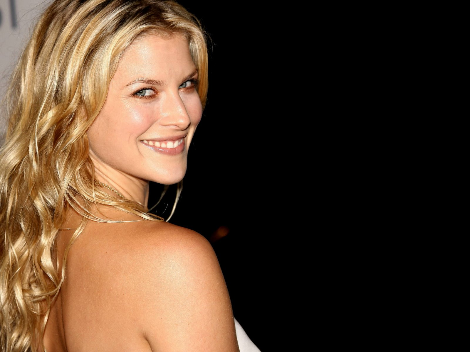 free non watermarked wallpapers of ali larter at fullwalls blogspot