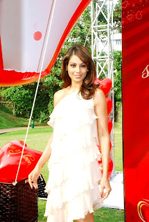 bipasha-basu-promotes-valentine-gili-collection7-718740.jpg (215×320)