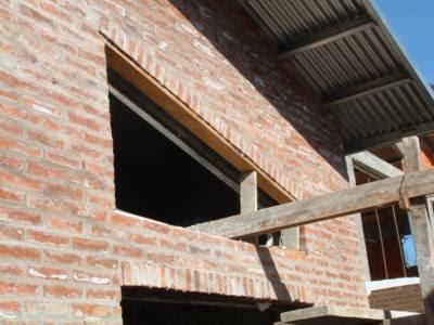Diario de un arquitecto los muros de ladrillo visto la - Dintel de madera ...