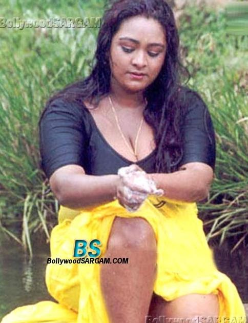 Telugu actress boobs slip