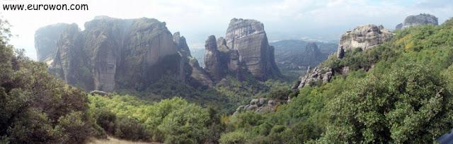 Increíbles formaciones rocosas en Meteora en Grecia