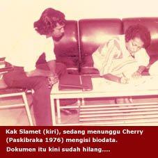 [Paski+1976+-+Cherry+isi+biodata+dg+Slamet.JPG]
