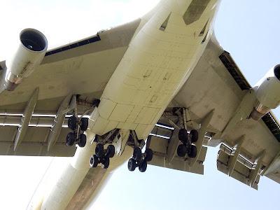 Boeing 747 con flaps ranurados desplegados