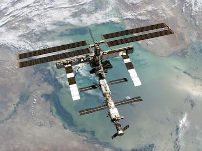 Estación Espacial Internacional (ISS) fotografiada en el 2006 desde el Space Shuttle
