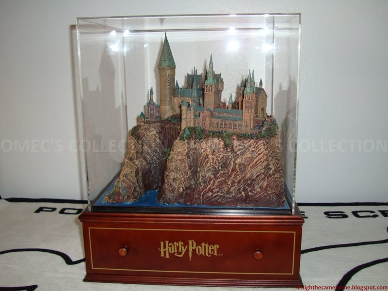 The night he came home harry potter hogwarts castle for Harry potter fish tank