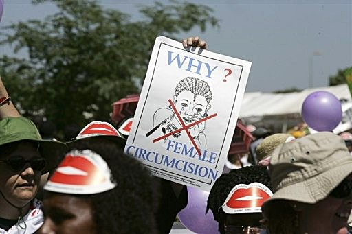 [Members+of+African+communities+demonstrate+against+female+genital+mutilation+in+Kasarani,+Nairobi,+in+2007.jpg]