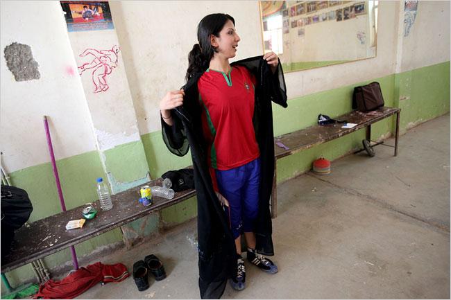 ironing their clothes by julia alvarez Need help with julia alvarez poem i have to write a 1000 word analysis of the julia alvarez poem ironing their clothes i need help with a thesis i have no idea.