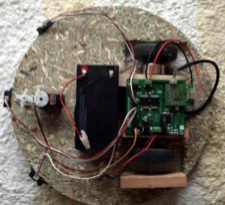 Sunta şasi ile tasarladığım robot.