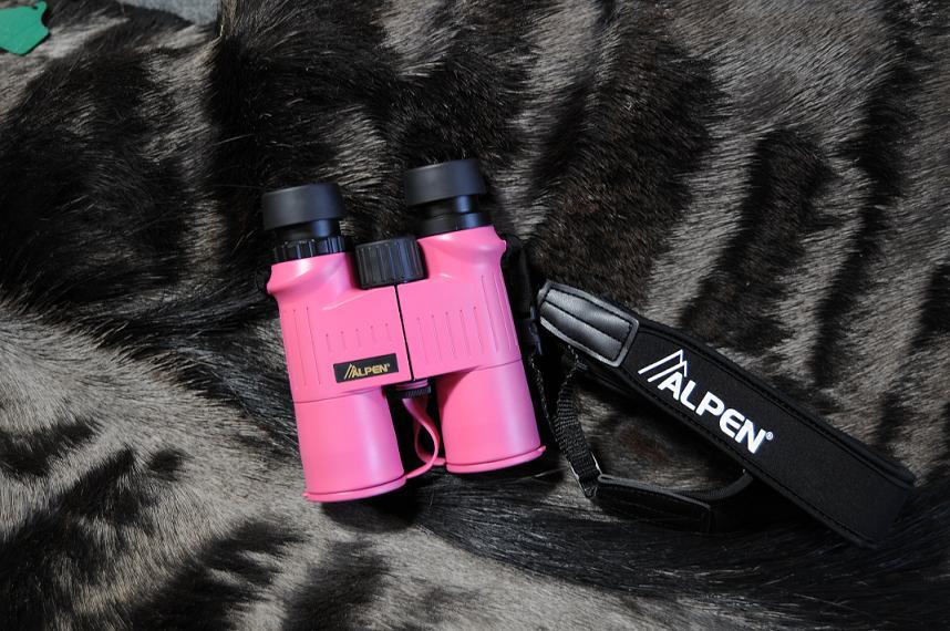 [Pink+binoculars]