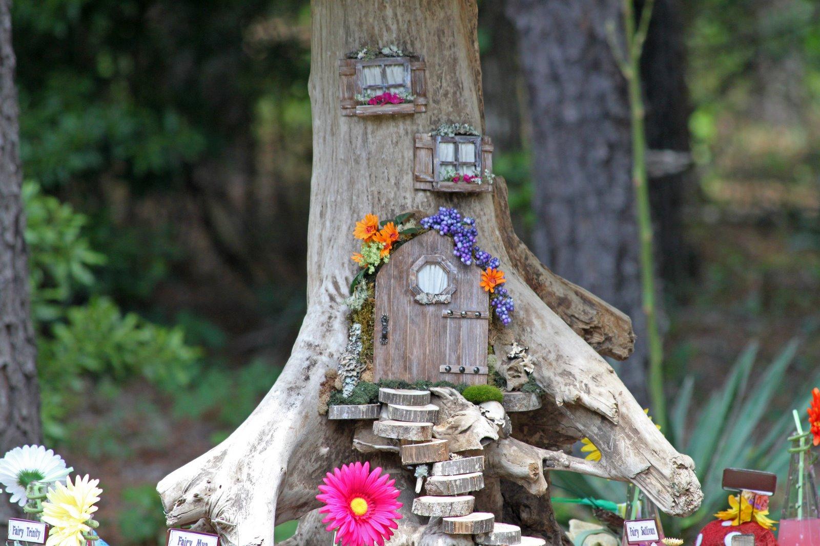 Сказочные домики своими руками для сада 12