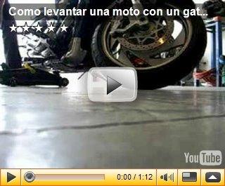 Como levantar una moto con un gato de coche