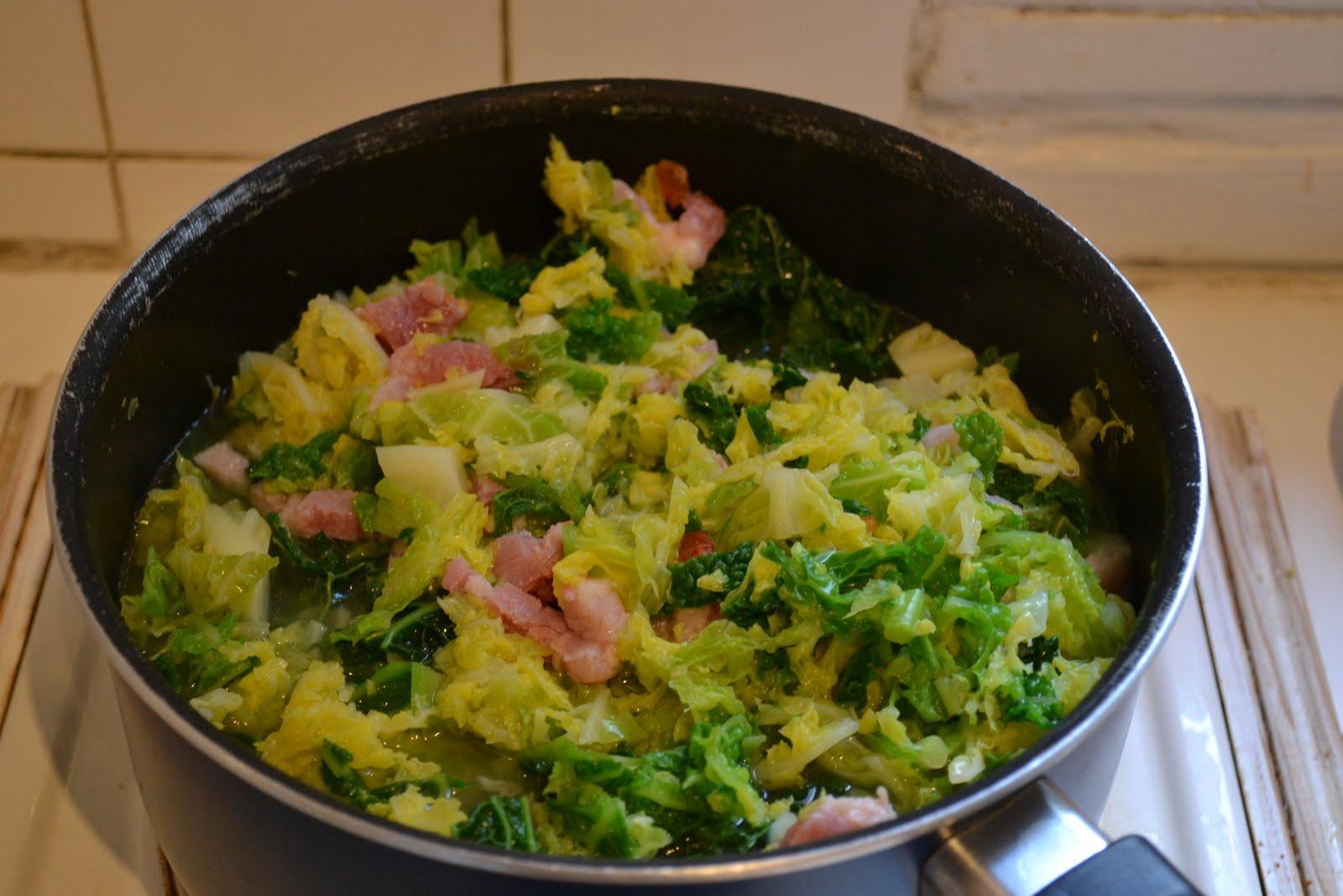 lili s cookbook pot 233 e au chou et saucisses de montbeliard