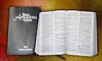 LEIA A BÍBLIA:
