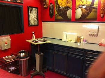 Piercing booth at Inkluence