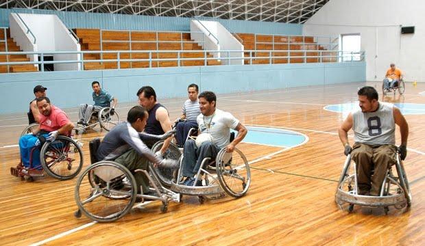 Deportes torneo de rugby sobre silla de ruedas - Deportes en silla de ruedas ...