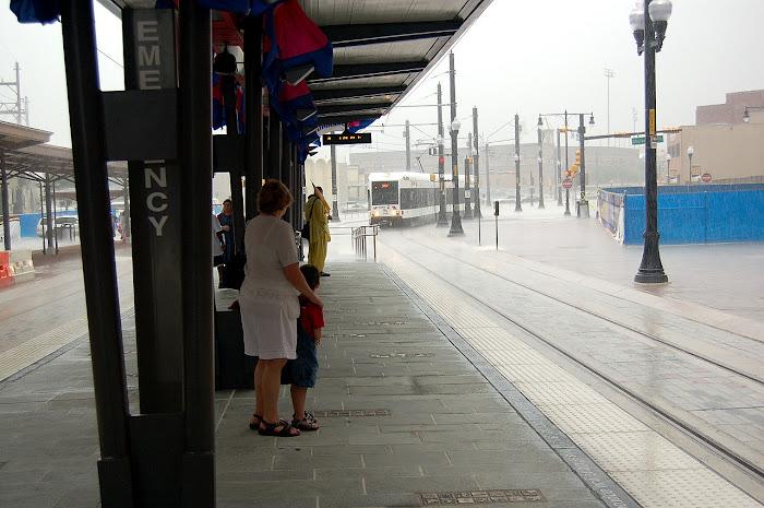 y los paseos con lluvia