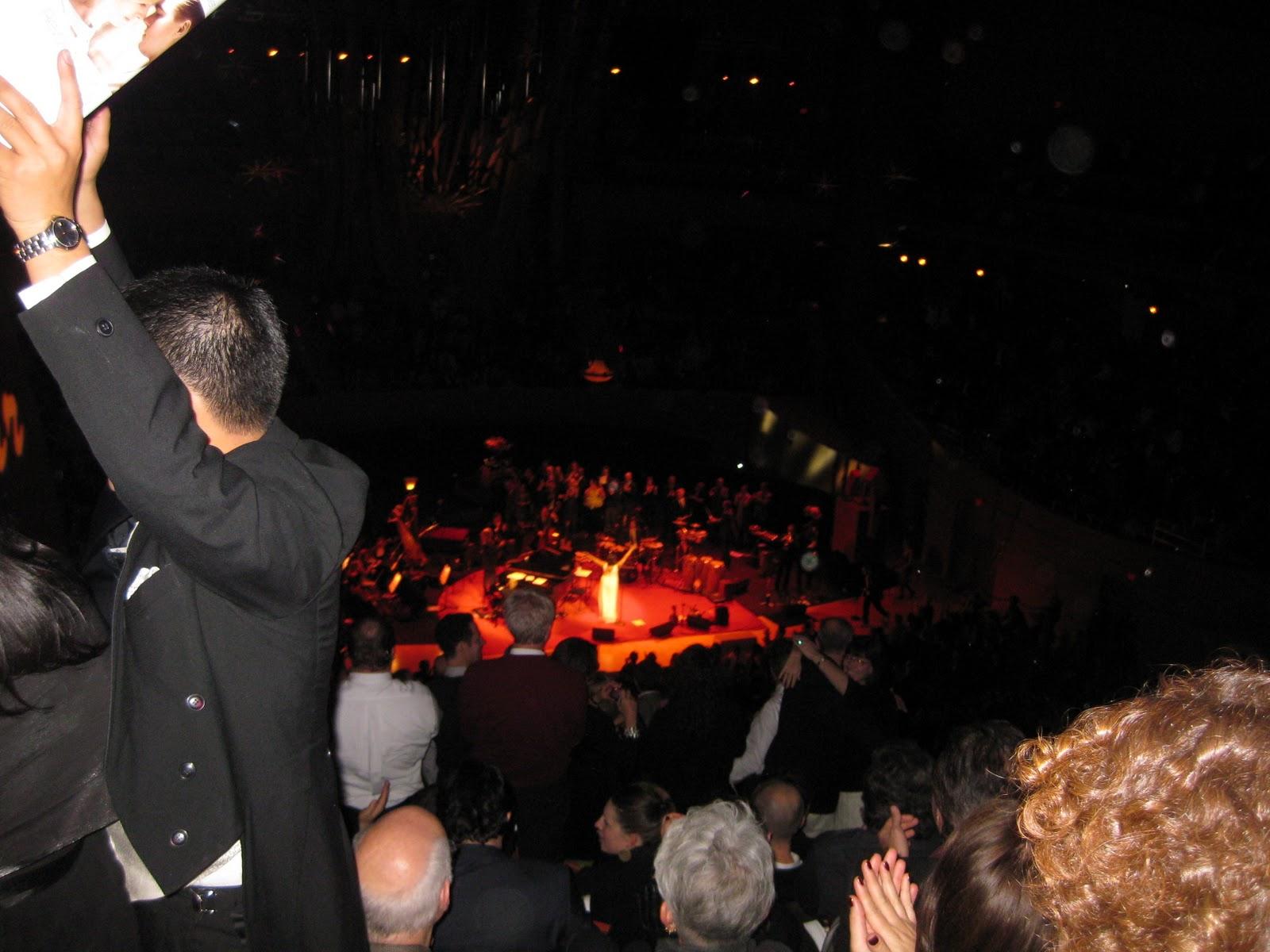 http://4.bp.blogspot.com/_Qn90qvGVEGM/TN4WAlPkpLI/AAAAAAAAGao/OVQ1aRYBuhw/s1600/Pink+Martini+at+the+Walt+Disney+Concert+Hall+%25288%2529.JPG