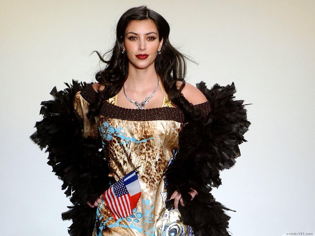http://4.bp.blogspot.com/_QnUhBs0zORI/TA-FbiDsyfI/AAAAAAAADW0/UeRigTz-Lg0/s1600/51206_celebcity_eu_Kim_Kardashian_MB_Fashion_Week_Spring_2008_Day3_005_123_692lo-714035.jpg