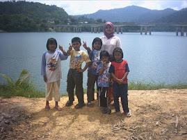 Family Picnic at Tasik Banding