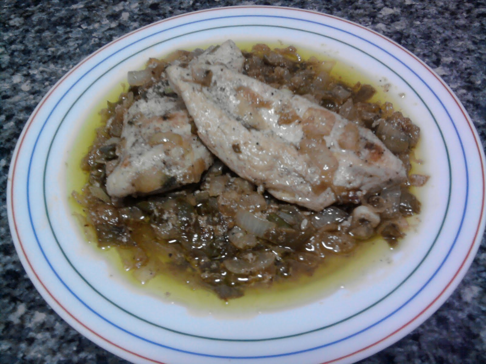 Filete de pollo con vino blanco