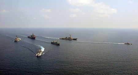 July 2009, the U.S. and Malaysian armed forces in joint exercises held in the coastal areas of the South China Sea