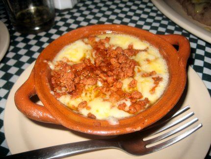 how to make queso fundido con chorizo