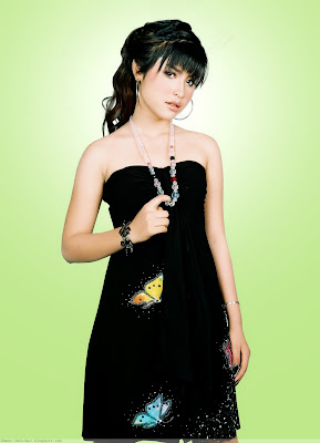 Khmer Singer Sok Pisey In The Black Dress
