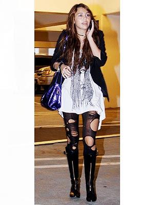 http://4.bp.blogspot.com/_QsEboZXWNNY/Sx5r4h81vKI/AAAAAAAAA0s/GcWaDtUC6b8/s400/fashion+trend+ripped+tights+(3)+miley+cyrus.jpg